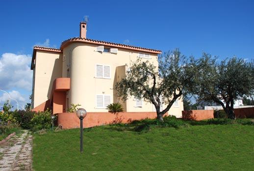 Villa erica affitta appartamenti arredati in sardegna for Mini appartamenti arredati